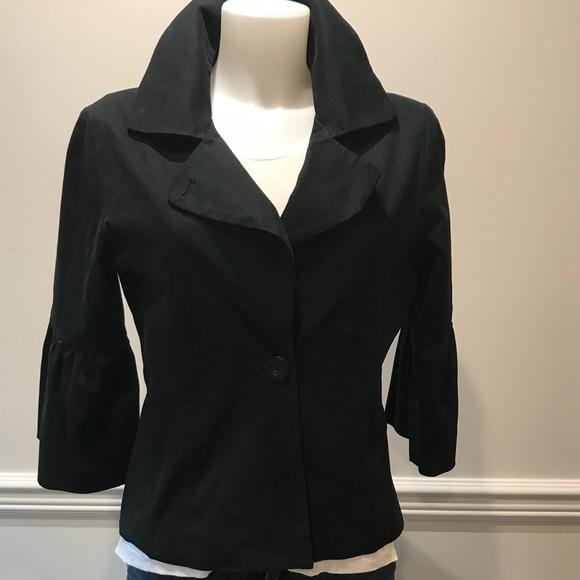 Maestro Jackets & Blazers - Adorable Maestro black bell sleeve jacket.
